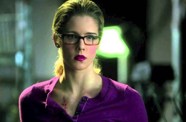 batom-roxo-felicity-arrow-2
